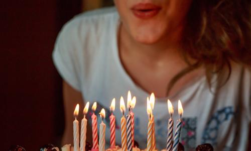 30 คําอวยพร วันเกิดตัวเอง น่ารักๆ ใครไม่อวยเราอวยพรให้ตัวเองได้ ไม่แคร์